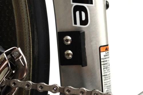 ブラックチタンボルト化で軽量化とブラック化「フロントディレイラー台座用ボルト」編