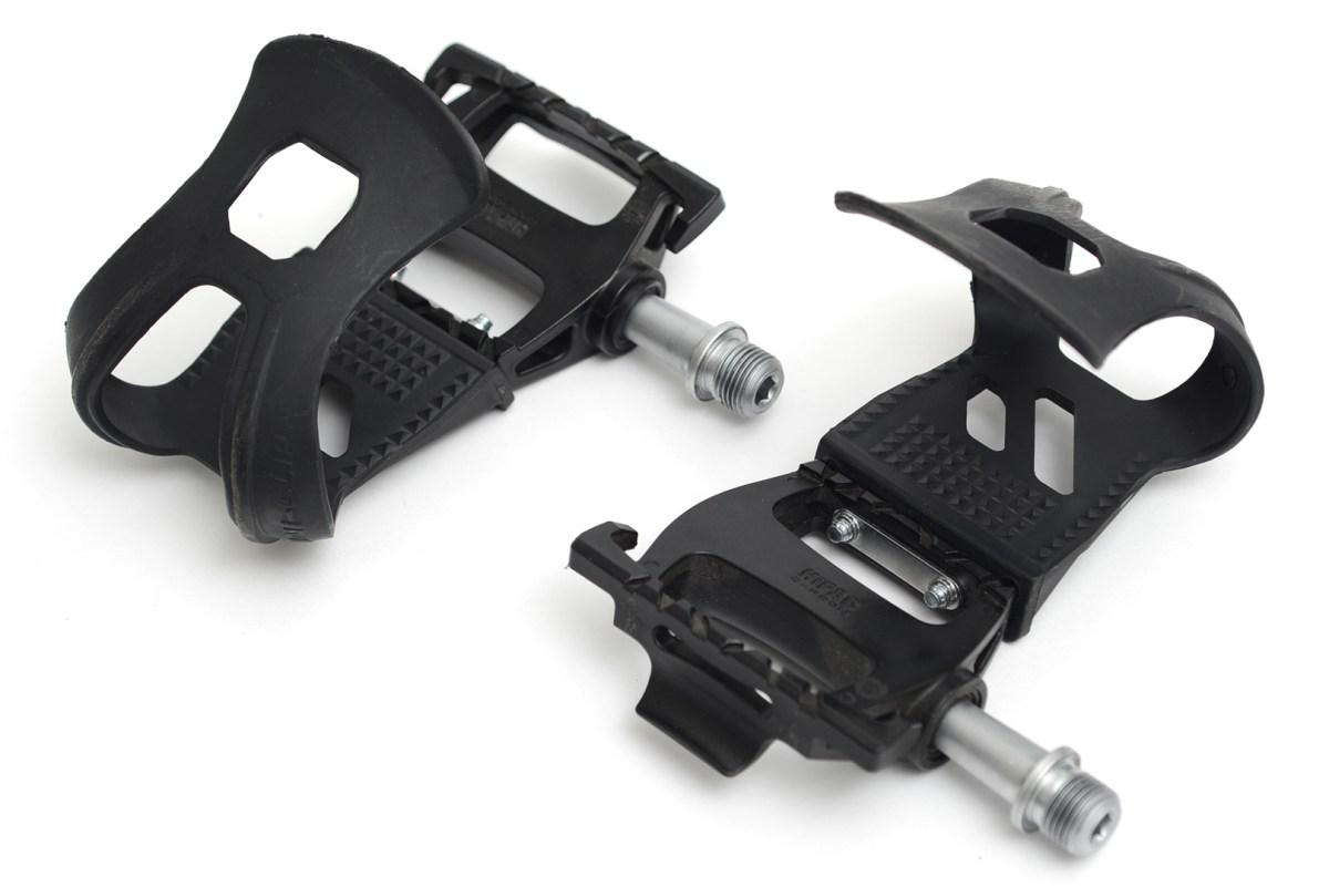自転車の軽量ハイパックカーボンペダル「VP ONE(ヴイピーワン) :VP-HANK pedal(ペダル)&VP-700 HALF TOE CLIP(ハーフトゥクリップ)」装着