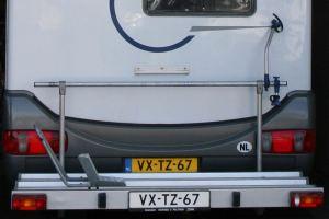 Fietsendragen op een camper bij garage Paltrok in Zaandam