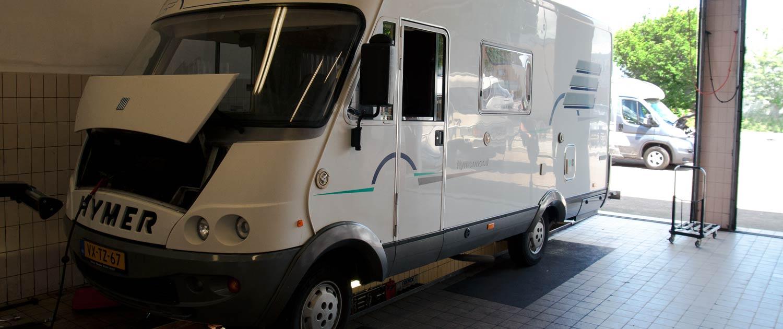Hymer camper ter reparatie bij Garage Paltrok in Zaandam