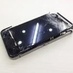 大破したiPhone