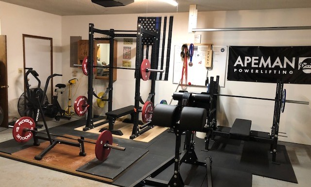 Step Into This SWAT Officers Powerlifting Garage Gym