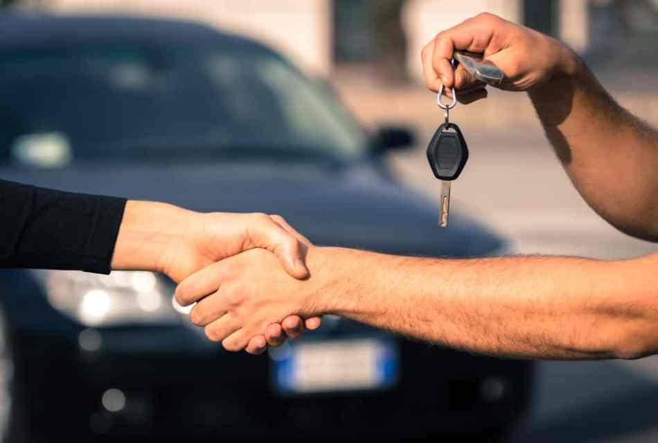 anúncios de automóveis