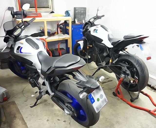 Yamaha MT-07 Garage Parking