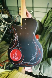 50'style pinstriping on the back.
