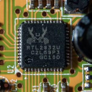 RTL_2832u_chip_1_large