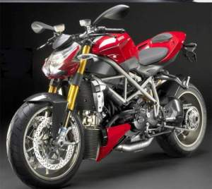ducati-streetfighter-fighter