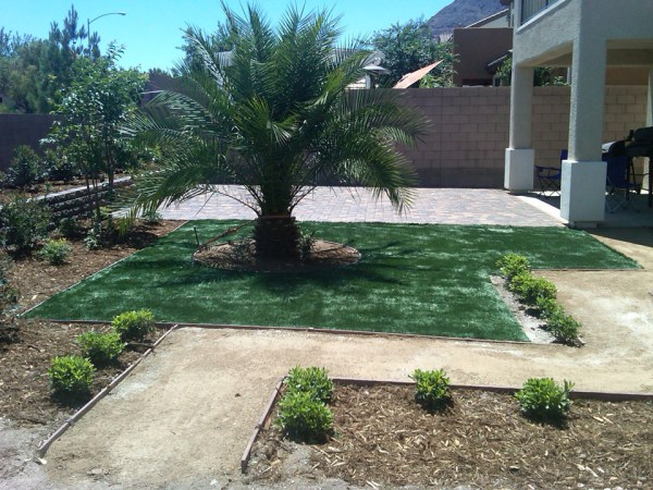 custom backyard landscape design