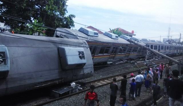 Kereta Commuter Jabodetabek Anjlok, Menhub Akan Tinjau Lokasi