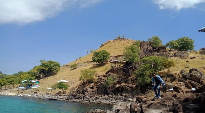 Pesona Alam Pantai Shafar Lamakera