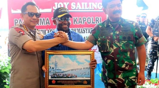 Lihat Indah dan Damainya Papua, Panglima TNI & Tokoh Papua Berlayar Bersama