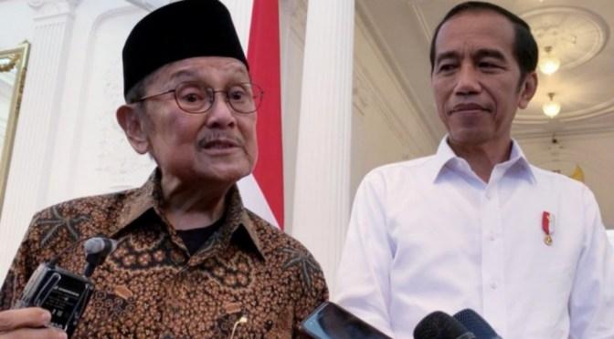 Hoaks B.J. Habibie Meninggal! Presiden Jokowi Jenguk di RSPAD
