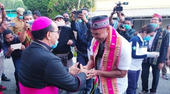 Bersua Uskup Ruteng, Gubernur VBL Katakan Ia Pelayan Masyarakat NTT