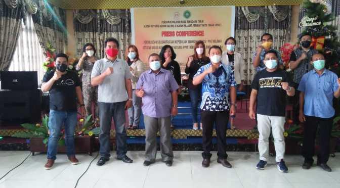 Aksi Solidaritas Notaris Theresia Dimu di Kejati NTT, INI & IPPAT Tutup Kantor