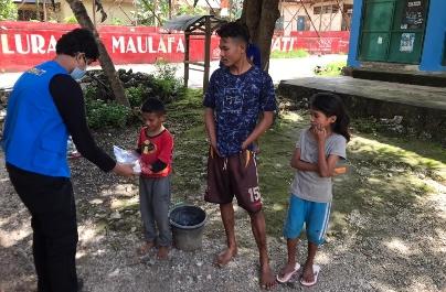 'Meeting Kids Along The Street' RC Kupang Central Berbagi Bahagia ke Anak-anak