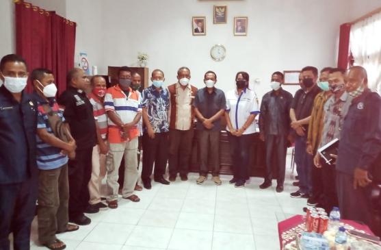 Anggota DPRD Belu Fasilitasi Komplain 13 Pekerja Dolog Atapupu