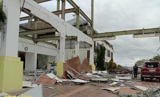 12 Ribu Lebih Rumah & Kantor Bupati Sabu Raijua Rusak Dihantam Badai Seroja