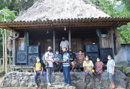 Rawat Kampung Adat Maghilewa, Yayasan Arnoldus Wea Bantu 'Sound System'
