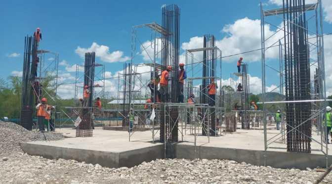 Warga Lokal Komplain Prosedur Rekrutmen Buruh Bangunan RS Marianum Kimbana