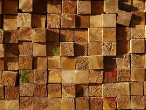 Holzbalken für das Dach