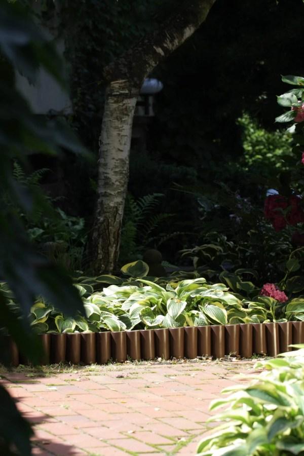 Dekoratyvinė plastikinė tvorelė 2,5 metro Juodos sp. — tvorele rudos spalvos scaled 1