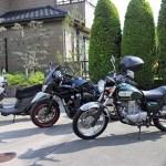 大型、中型、小型のバイク
