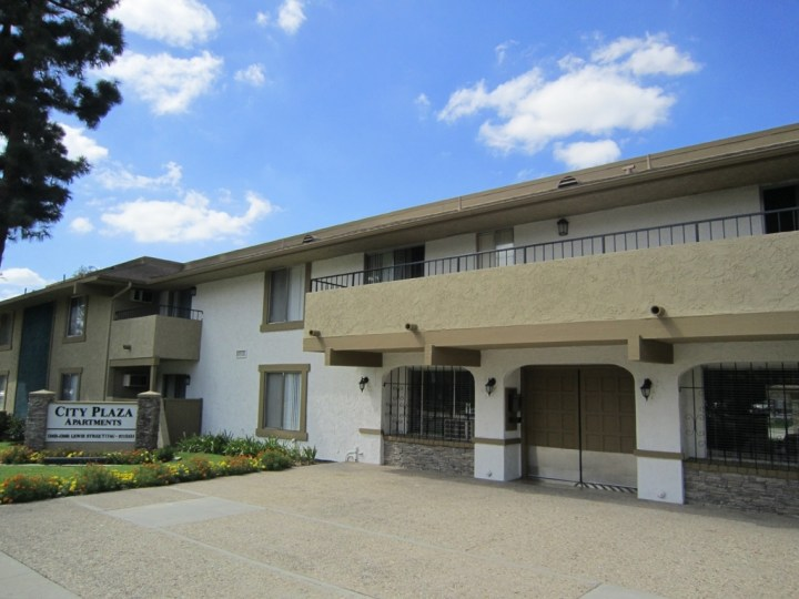 City Plaza Apartments - Centrally Located In Garden Grove, Ca with Studio Apartment Garden Grove