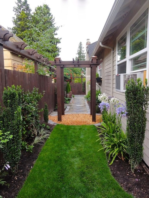landscaping ideas narrow side