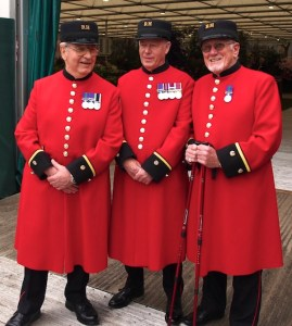 The Chelsea pensioners in their wonderful scarlet coats really brightened up the dull day.