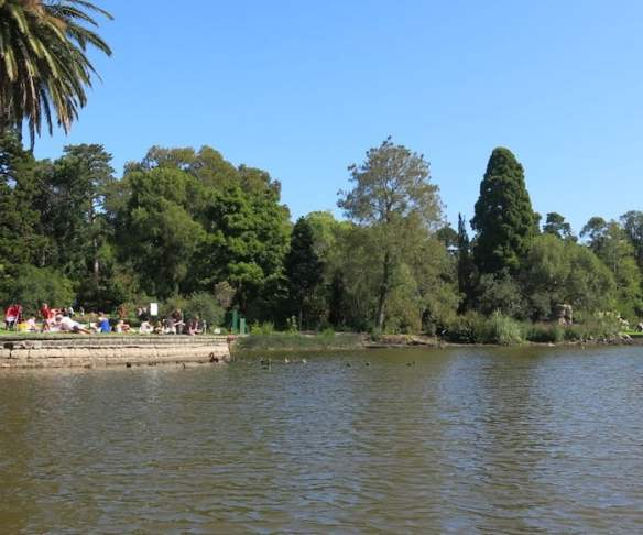 Punting on Ornamental Lake 2014 023