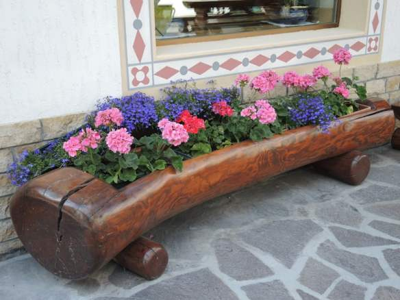 Window Boxes of the Dolomites Photo Helen McKerral29
