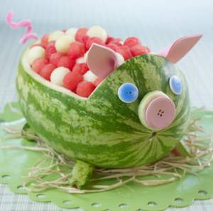 Watermelon Pig carving Copyright National Watermelon Promotion Board