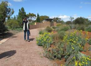 Welcoming volunteer guide at the Australian Arid Lands Botanic Garden