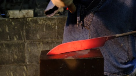 workshop kurogane otoya japan tradtional ironmaking blacksmithing (4)