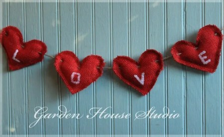 DIY Burlap Heart Garland/ Burlap photo heaart garland