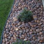 40 Beautiful Front Yard Rock Garden Landscaping Ideas (11)