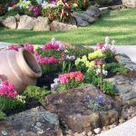 40 Beautiful Front Yard Rock Garden Landscaping Ideas (18)
