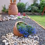 40 Beautiful Front Yard Rock Garden Landscaping Ideas (26)