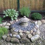 40 Beautiful Front Yard Rock Garden Landscaping Ideas (31)