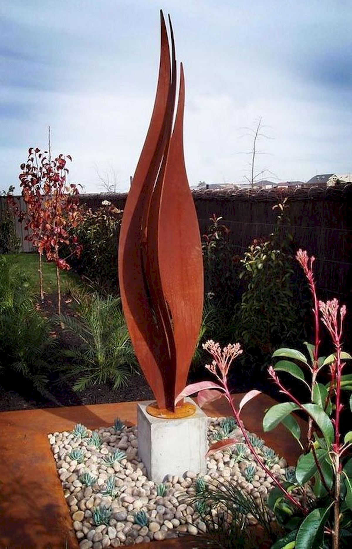 70 Fantastic Metal Garden Art Design Ideas (3)