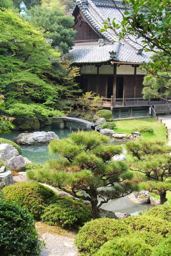20 Awesome Backyards Japanese Garden Design (13)