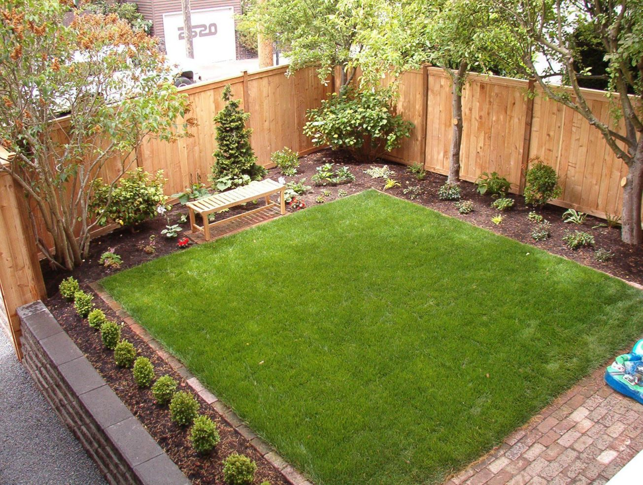 Top Simple Small Backyard Landscaping Ideas