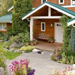 Cool Landscaping In Front Of Porch