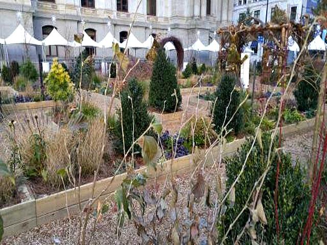 1479198078832-garden-maze-dilworth-park-640x480