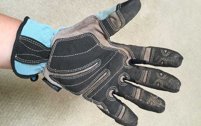 padding on Duluth work gloves
