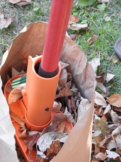 ez-leaf-stomper-in-use1