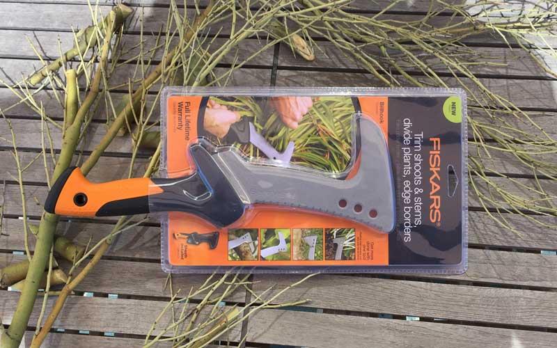 Fiskars-Billhook-in-packaging-1
