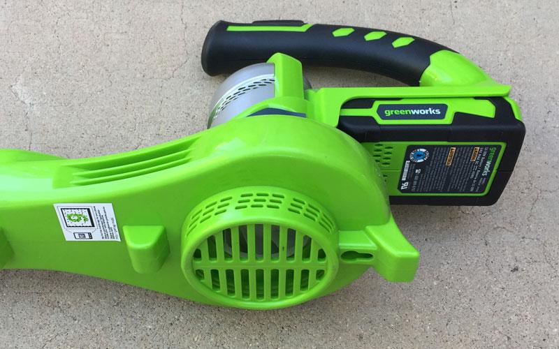 Greenworks-24-Volt-Sweeper-air-intake