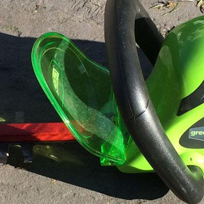Greenworks 40V G-Max Cordless Hedge Trimmer safety guard
