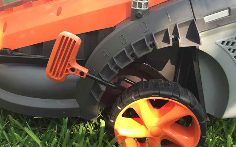 Redback 40V Lithium Ion Mower E137C Height Adjustment